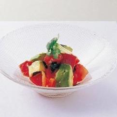アボカド、トマト、まぐろのサラダ