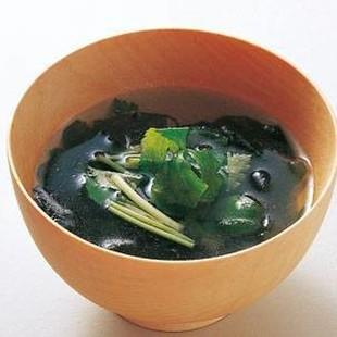 わかめとみつばのスープ