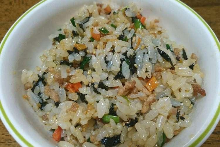 簡単 混ぜ ご飯 【料理の裏ワザ】パラッパラな「炒飯」を作る超簡単な方法!ご飯にあらかじめアレを混ぜておくだけ!