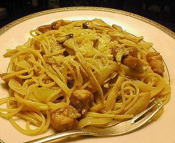きのことチキンのクリームスパゲッティ