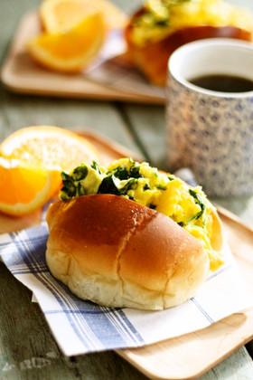 大人気のスクランブルエッグサンドイッチ