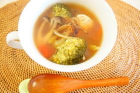 簡単♪野菜たっぷり鶏胸肉のスープ