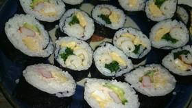お好きな具で、ちゃちゃっと巻き寿司