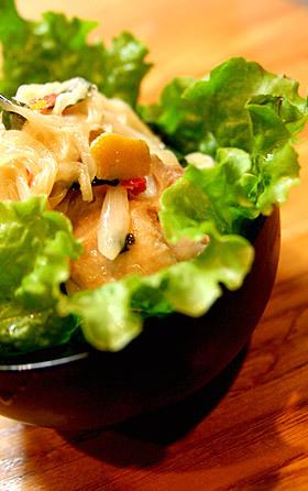 粗挽き柚子胡椒の焼き鳥サラダ