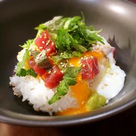 麺つゆでマグロの漬け丼*山芋のっけ*
