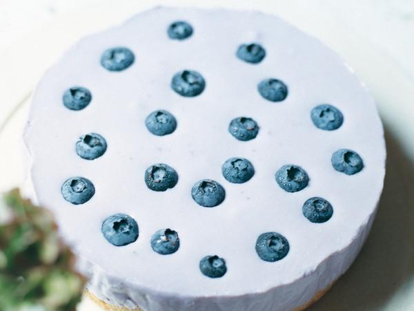 ブルーベリーレアチーズケーキ