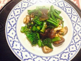 ブロッコリーと椎茸のナンプラー炒め