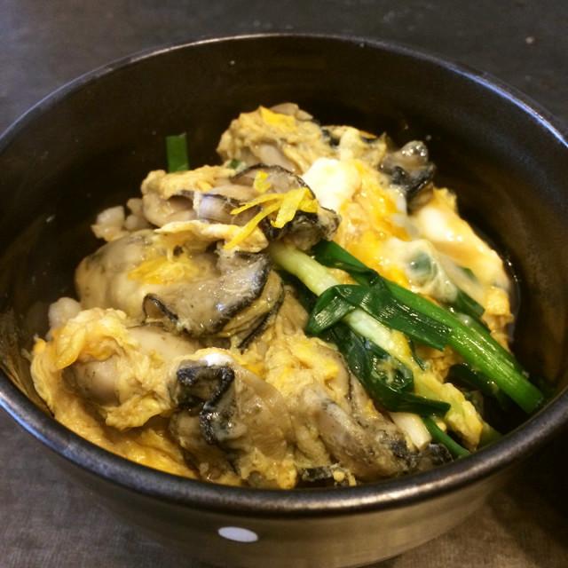 牡蠣の玉子とじ丼
