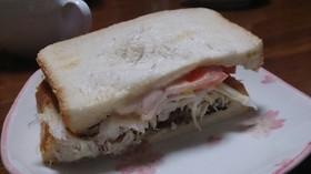 食パンで作る!サバサンド!