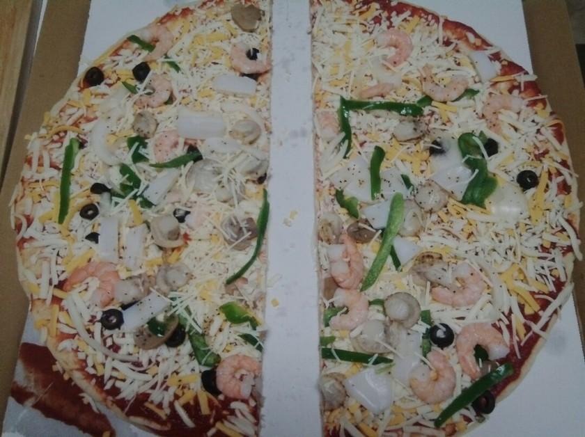 コストコ丸型ピザ、保存と小型化の切り方