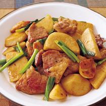 豚肉と里いものガーリックしょうゆ炒め