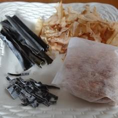 超手抜き! 鰹の削り節と昆布の出汁で煮物