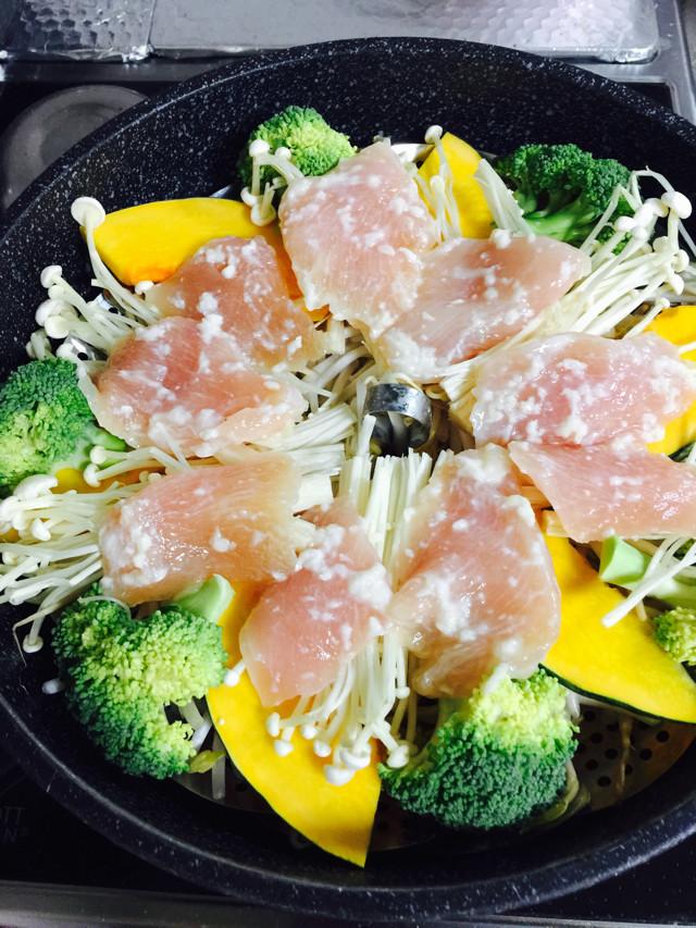 残り野菜で 蒸し野菜 (フライパンで)