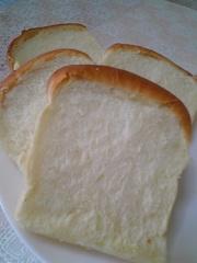シンプル食パン♪(超我流な捏ね方付き♡)の写真