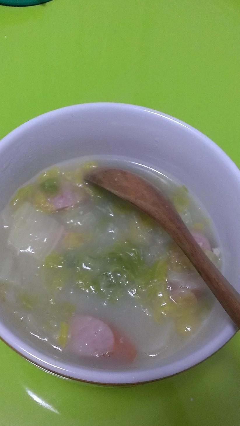 白菜とウインナーのスープ@鍋キューブ