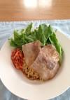 マルちゃん正麺で焼肉のせ冷やし中華