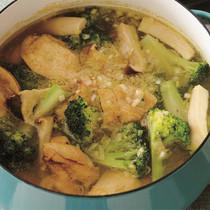 鶏肉とブロッコリーのカレー鍋