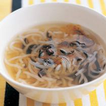 糸こんにゃくときくらげのスープ