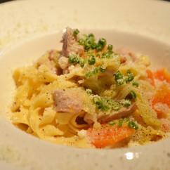 タリアテッレ 大山鶏とキャベツの白いラグーソース