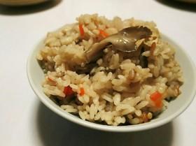 めんつゆで簡単☆舞茸の炊き込みご飯♪