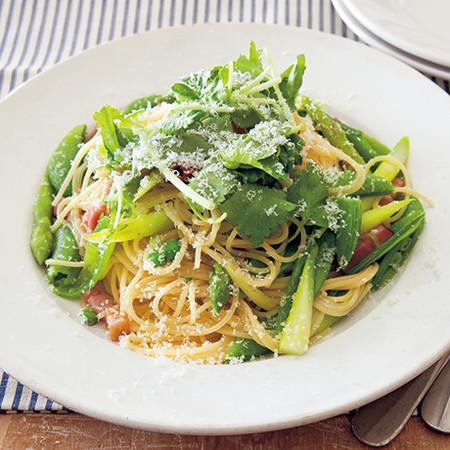 緑野菜のペペロンチーノパスタ