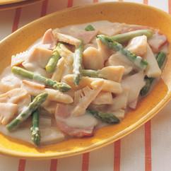 アスパラガスの中国風クリーム煮