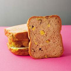 サツマイモとシナモンのパン