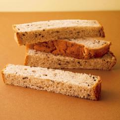 きな粉とゴマのパン