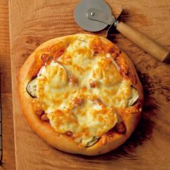 ナスとソーセージボリュームピザ