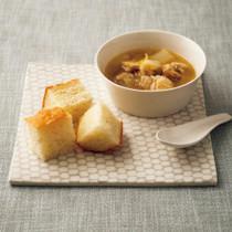 焼きネギとチキンのスープ