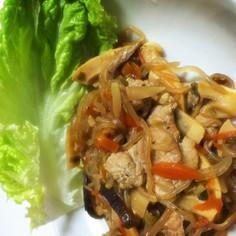 肉野菜と白滝のレタス包み