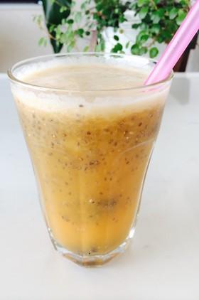 チアシード林檎パイン他のスロージュース