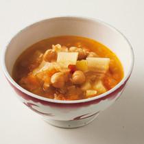 トマトと豆のスープ