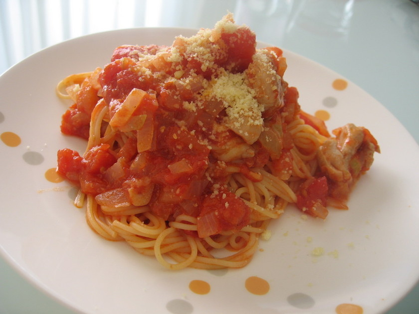 簡単☆鶏肉のとろ~り♪トマトチーズパスタ