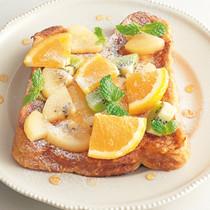 フルーツ山盛りフレンチトースト