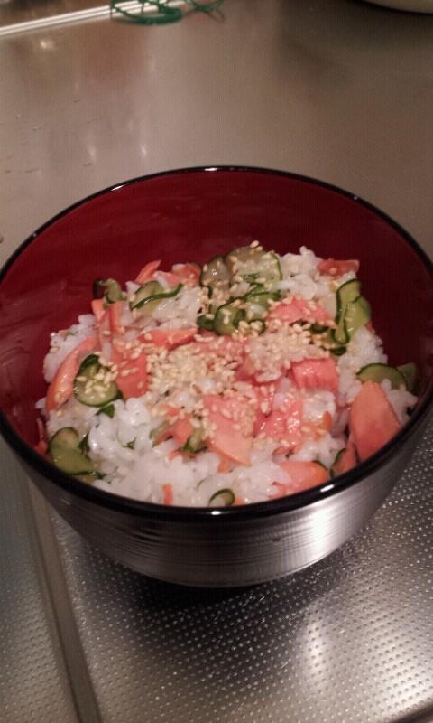紅鮭ときゅうりの簡単ちらし寿司☆
