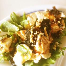 ご飯にぶっかけて!レタスと豆腐サラダ飯