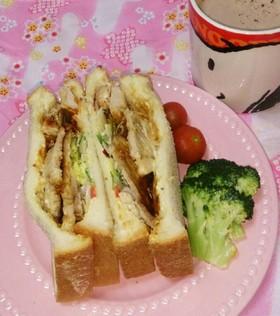 豚カツ&ローストポークのサンドイッチ