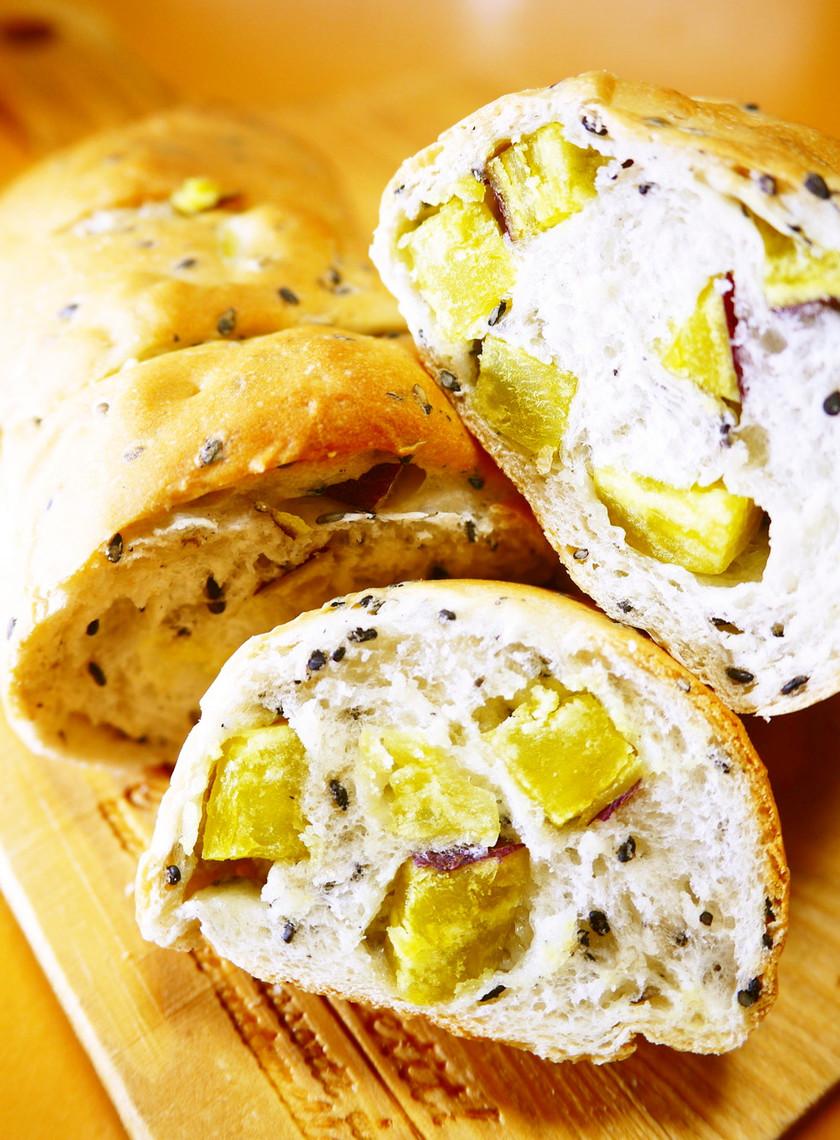リスドォル de 黒ごまさつまいもパン