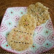 七号食のおやつ レンチン玄米せんべいの写真