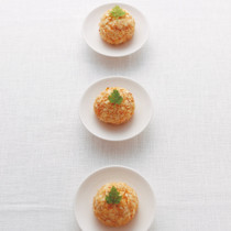 ポテトチップスと豆腐の揚げないコロッケ