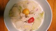 プニュつくねプチトマ豆乳鍋の写真