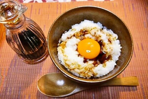 ♪手作り燻製醤油と究極の卵かけご飯♪