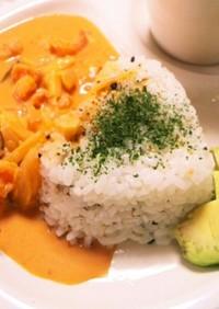 ビスク風ソースで海老アボカドカフェご飯