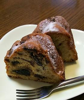 プルーンはちみつ煮たっぷりケーキ