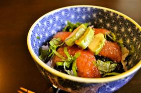 まぐろのづけ風どんぶり●アボカド&トマト