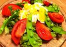 スナップエンドウとゆで卵の春色サラダ