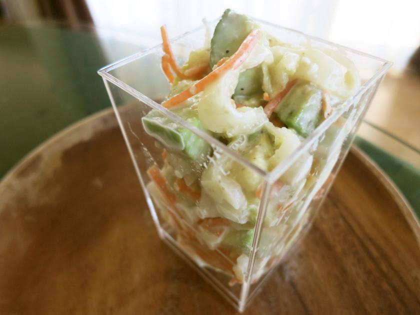 ニュージーランド産アボカドと白菜のサラダ