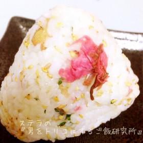 お花見に♡桜の花のおにぎり