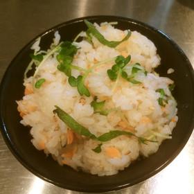 簡単で適当な鮭とかいわれの混ぜ寿司